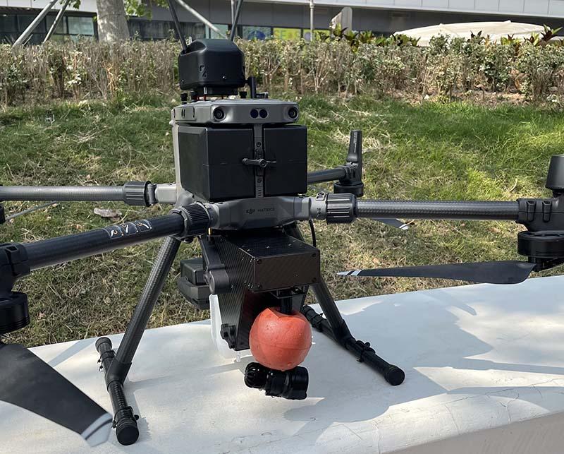 Отбор проб воды с квадрокоптера DJI Matrice 300